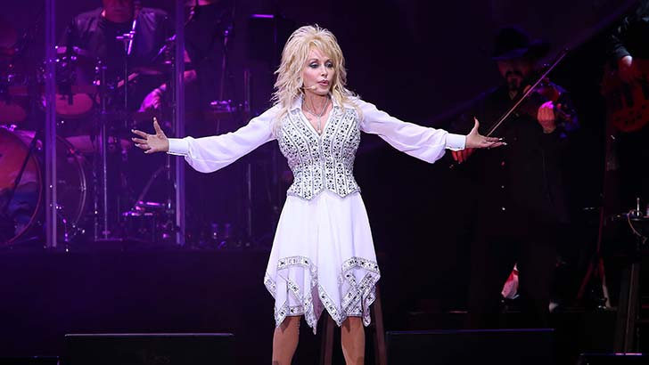 Dolly Parton Performs at Star of The Desert Arena