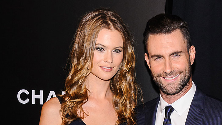 f0a6b3ec68 Maroon 5  Singer Adam Levine Marries A  Victoria s Secret  Model ...