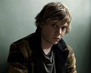 American Horror Story: Evan Peters Checked Into Hotel